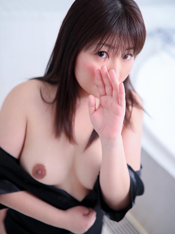 青木 ゆうか(32)|梅田 十三 新大阪 西中島 出張&待ち合わせ 人妻性感エステ ママセラ